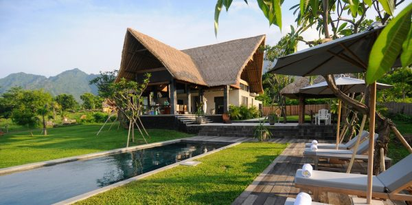 4 eco villas for an eco vacation bali travel guide for Villa builders