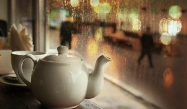 rainy day in cafe