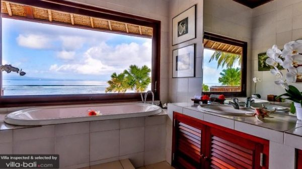 Bathroom with ocean view