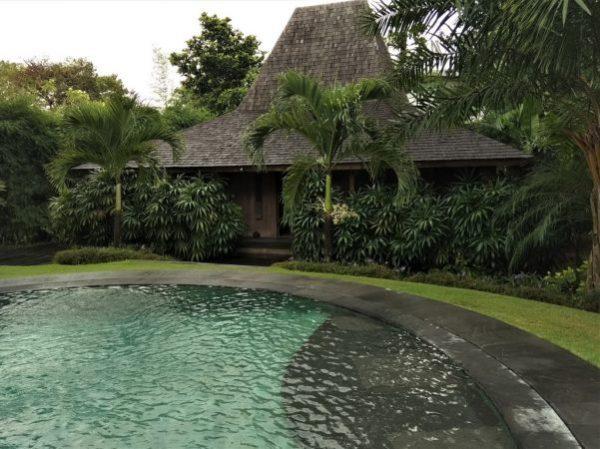 Inspecting Villa Kalua